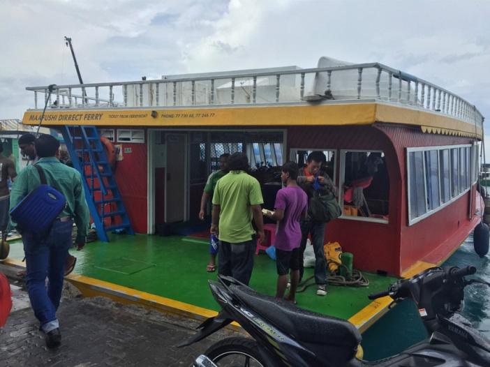 Kapal ferry yang mengangkut kami menuju Male City